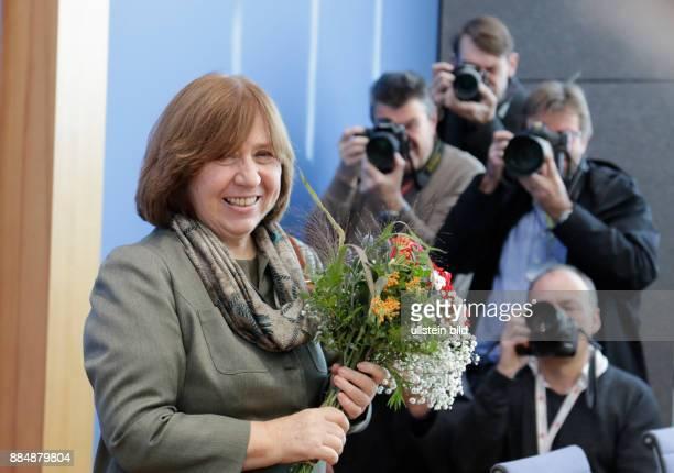 Berlin Bundespressekonferenz Thema Zum Literaturnobelpreis 2015 sowie zur Lage in Russland und Weißrussland Foto Swetlana Alexijewitsch Gewinnerin...