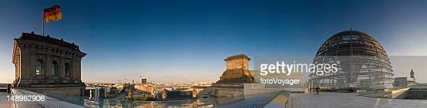 Berlin Bundestag gold und Blau