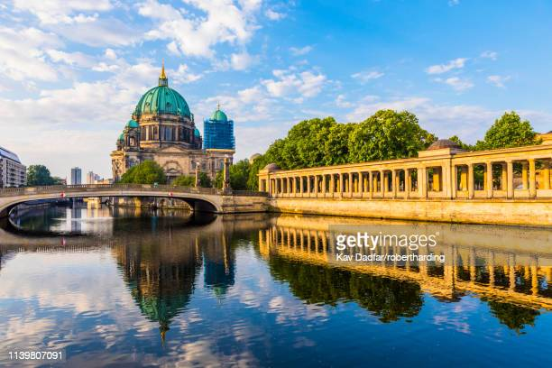 berlin cathedral by river spree in berlin, germany, europe - ベルリン大聖堂 ストックフォトと画像