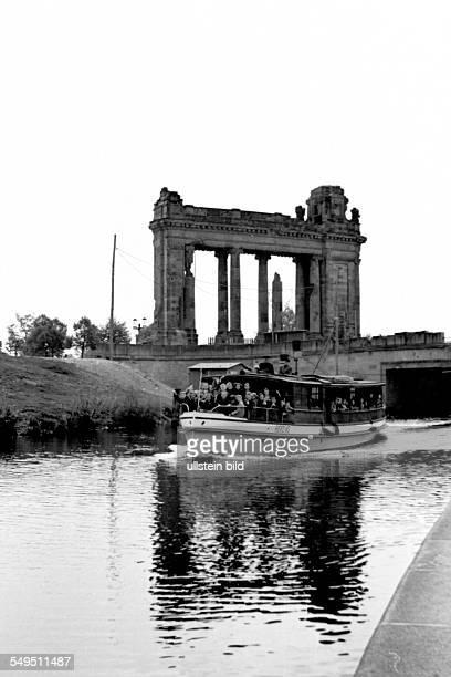 Charlottenburger Tor und Dampferfahrt auf dem Landwehrkanal