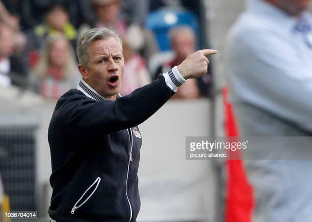 Berlin coach Jens Keller gestures during the German Bundesliga seconds division match between Fortuna Duesseldorf and 1 FC Union Berlin in the ESPRIT...