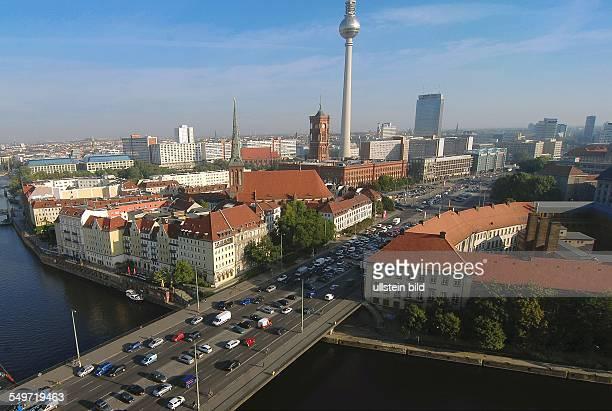 Berlin, Das Gelaende der Alten Muenze , Blick auf die Spree an der Muehlendammbruecke
