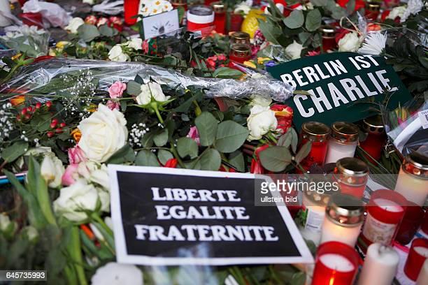 GER Berlin Demo Schriftzug JE SUIS CHARLY vom Grafiker Joachim Roncin/ Zeitschrift Charly Hebdo