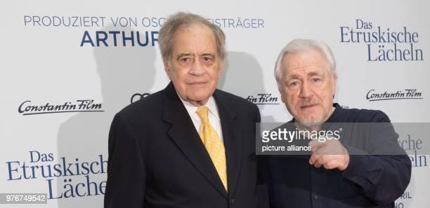 Der Produzent Arthur Cohn und der Schauspieler Brian Cox beim Fotocall zum Kinofilm «Das Etruskische Lächeln» Kinostart ist am 12 April 2018 Photo...