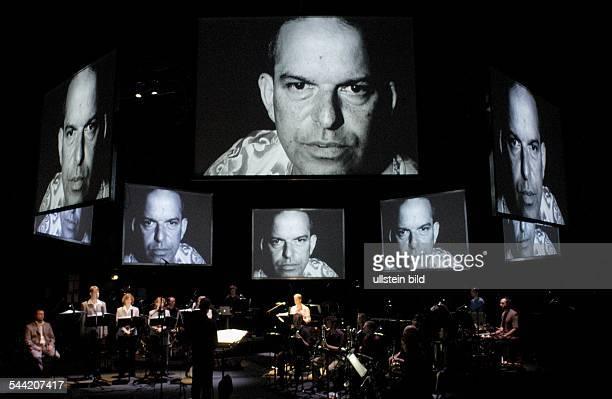 Berlin; Festival: Konzerte/Oper 04. Titel: Interzone. Musik: Enno Poppe. Video und Raum: Anne Quirynen. Libretto: Marcel Beyer. Dirigent: Jonathan...
