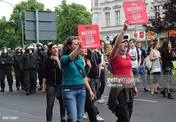 Gegendemonstration zum Aufmarsch der Rechtsexetremisten in Kreuzberg
