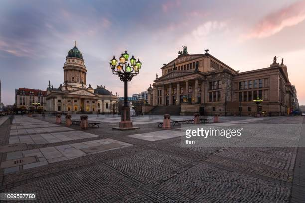 berlin gendarmenmarkt (berlin, germany) - gendarmenmarkt stock pictures, royalty-free photos & images