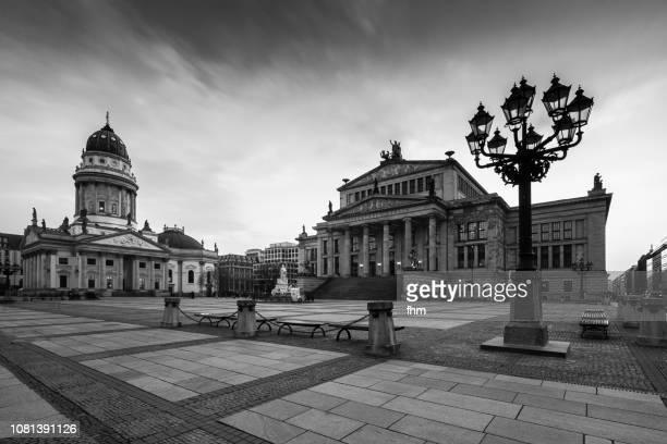 berlin gendarmenmarkt (berlin, germany) - deutscher dom stock pictures, royalty-free photos & images