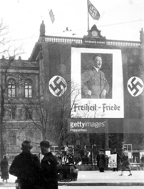 Berlin Germany 27th March 1936 An enormous picture of Nazi leader Adolf Hitler with the words Freedompeace on the front of the Berlin potsdamer...