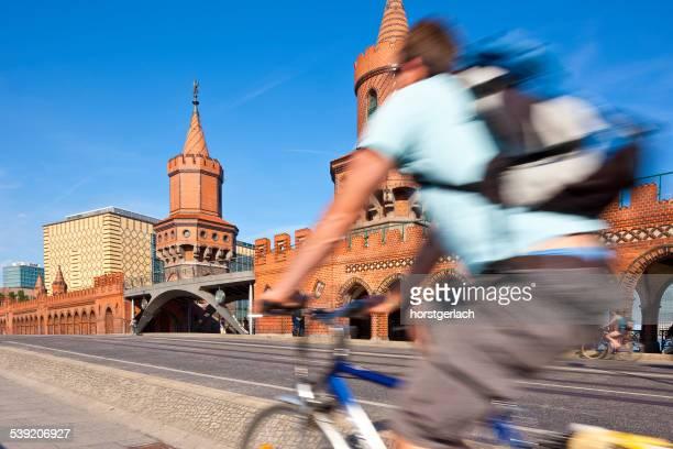 ベルリン,ドイツ - オベルバウムブリュッケ ストックフォトと画像