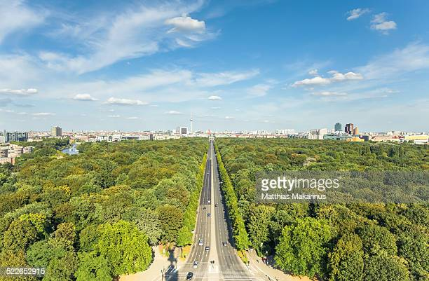 berlin green skyline city in the summer - makarinus stock photos and pictures