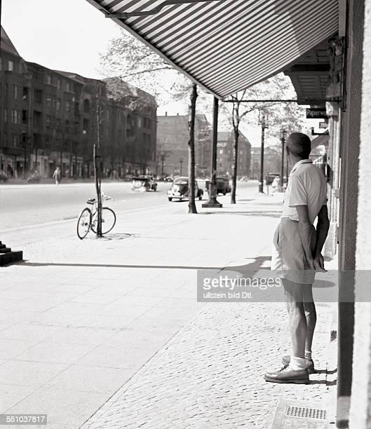 Berlin in the postwar period Street scene at the Bismarckstraße Photographer Ernst Hahn
