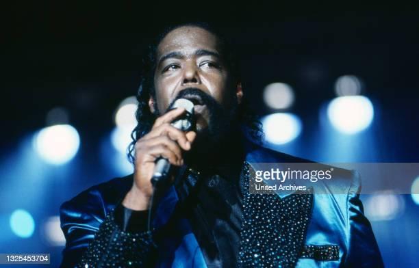 Berlin ist Musik, Eröffnungsshow auf der IFA in Berlin, Deutschland 1989, Stargast: amerikanischer Soulsänger Barry White(.
