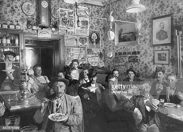 Berlin Kneipen / Restaurants Eine italienische Wirtschaft in der Buchholzer Strasse in Prenzlauer Berg 1901