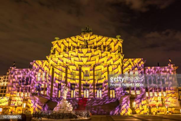 berlin leuchtet das konzerthaus - konzerthaus berlin stock pictures, royalty-free photos & images