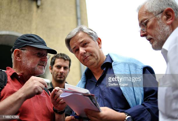 Berlin Mayor and German Social Democrat Klaus Wowereit talks to supporters at a campaign event in Zehlendorf district on June 182011 in Berlin...
