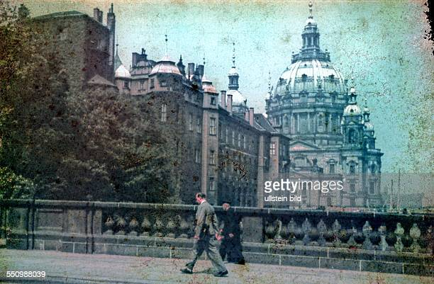 Berlin Mitte Castle and Cathedral 1937 Original badly damaged