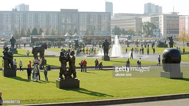 sculptures of the Colombian artist Fernando Botero in the Lustgarten