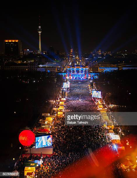 berlin new year eve - silvester berlin stock-fotos und bilder