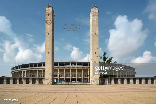 berlin, olympiastadion - olympiastadion berlin stock pictures, royalty-free photos & images