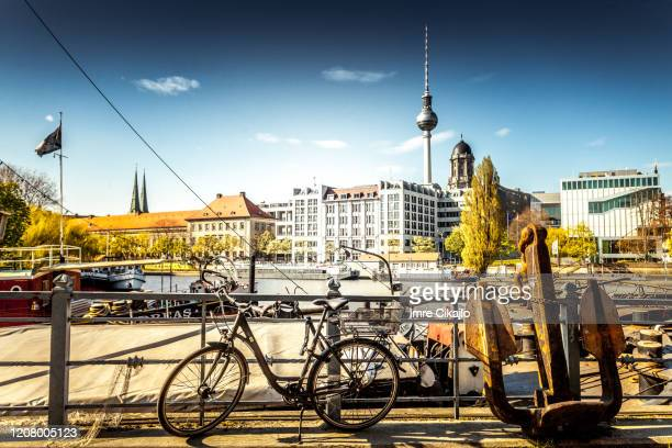 berlin on the bicycle - central berlin stock pictures, royalty-free photos & images