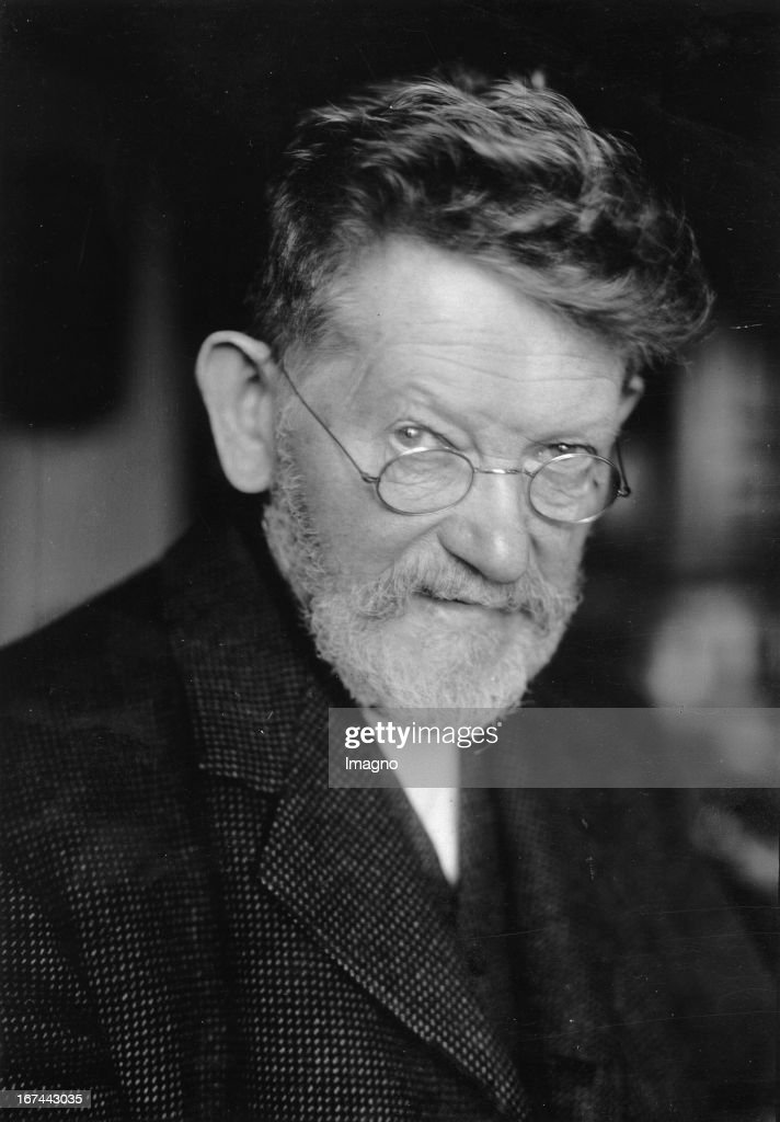 Berlin painter and illustrator Heinrich Zille. Portrait. 1929. Photograph. (Photo by Imagno/Getty Images) Der Berliner Maler und Zeichner Heinrich Zille. Portrait. 1929. Photographie.