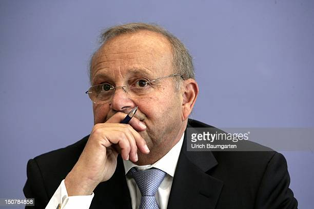 GERMANY Berlin PROF PROF DR DR hc mult Wolfgang FRANZ president of the Centre for European Economic Research in Mannheim specialist area employment...