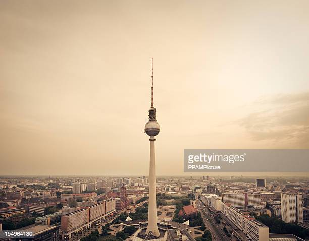 berlin radio tower - central berlin stock pictures, royalty-free photos & images