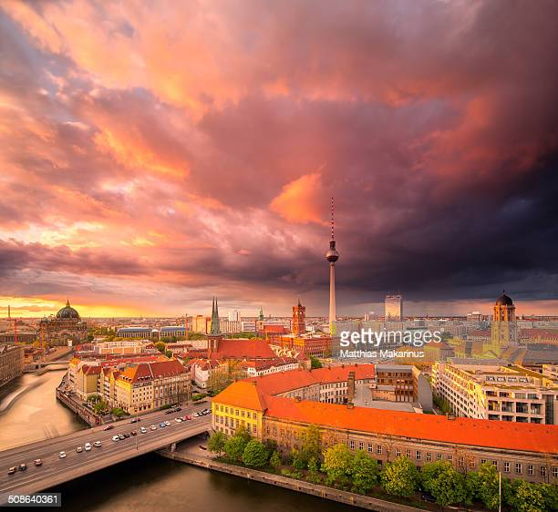 berlin skyline summer panorama with sunset - makarinus stock photos and pictures