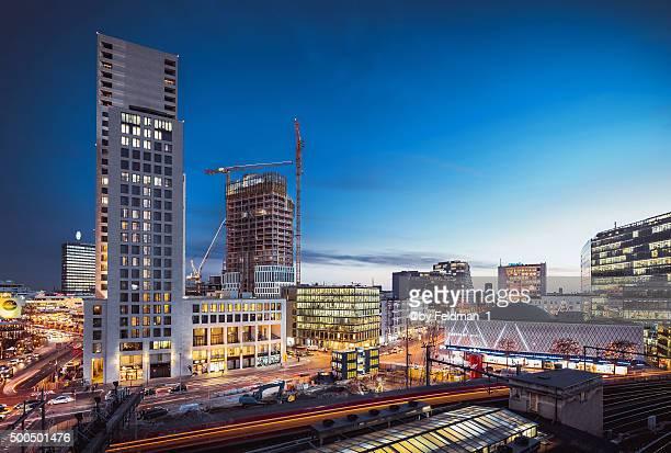 berlin skyline west abenddämmerung - kurfürstendamm stock pictures, royalty-free photos & images