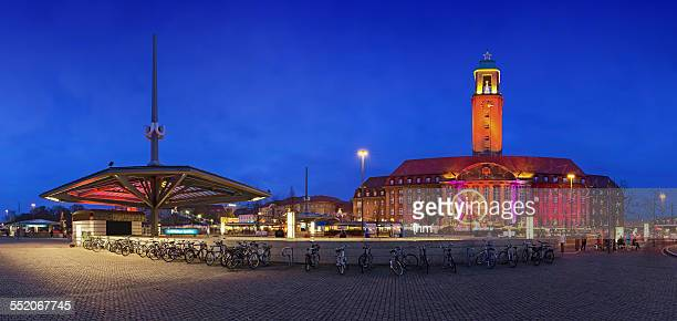 berlin, spandau:city hall and christmas market - spandau stock pictures, royalty-free photos & images