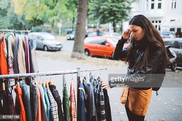 berlin street style shopping - flea market stock pictures, royalty-free photos & images