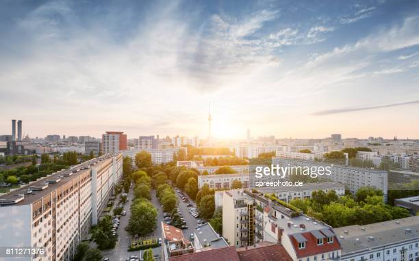 berlin summer skyline with tv tower - panorama stock-fotos und bilder