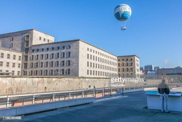 ベルリン - テロ博物館の地形 - 第三帝国 ストックフォトと画像