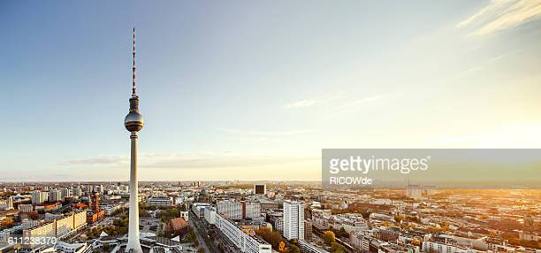 berlin tv tower at sunset - panorama stock-fotos und bilder