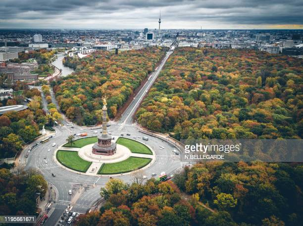 berlin victory column - berlin stock pictures, royalty-free photos & images