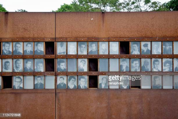 vítimas de monumento memorial do muro de berlim - fugitivo - fotografias e filmes do acervo