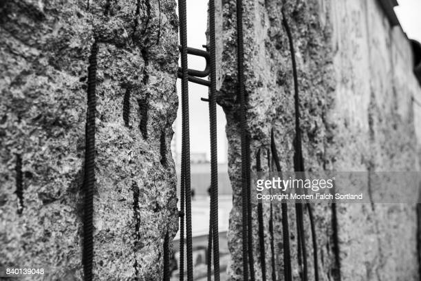 berlin wall memorial - cold war stock pictures, royalty-free photos & images