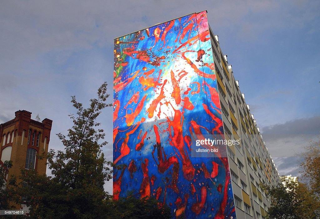 Berlin, Wandmalerei LICHTENBERG Von Christian Awe An Der Wand Des  Howoge Hauses In Der