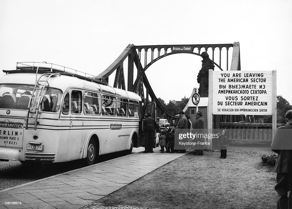 Berlin, West Berlin Bus At The Checkpoint Bridge Of Unity