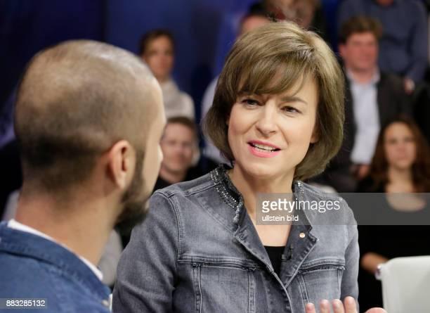 Berlin ZDF PolitTalk Maybrit_Illner Thema Grenzenloses Vertrauen Wen lassen wir ins Land Foto Moderatorin Maybrit Illner