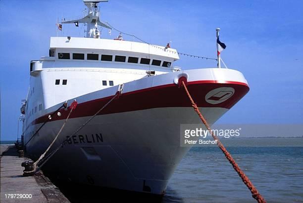 """Berlin"""", ZDF-Reihe """"Traumschiff"""", Passagierschiff, Kreuzfahrt, Kreuzfahrtschiff, Schiff, Meer, Wasser, Reise"""