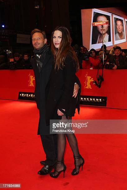 Thomas Kretschmann Und Brittany Rice Bei Der Premiere Des Eröffnungsfilms Farewell My Queen In Berlin