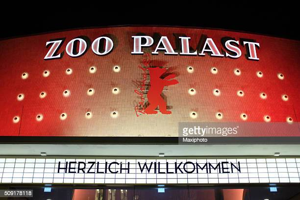 berlinale 2016: zoo palast movie theatre ready for film festival - zoo palast berlinale stock pictures, royalty-free photos & images