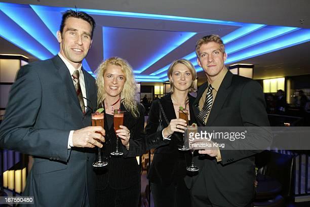 Fussballer Michael Preetz Mit Ehefrau Katrin Marko Rehmer Mit Ehefrau Daniela Im Felix Vom Adlon