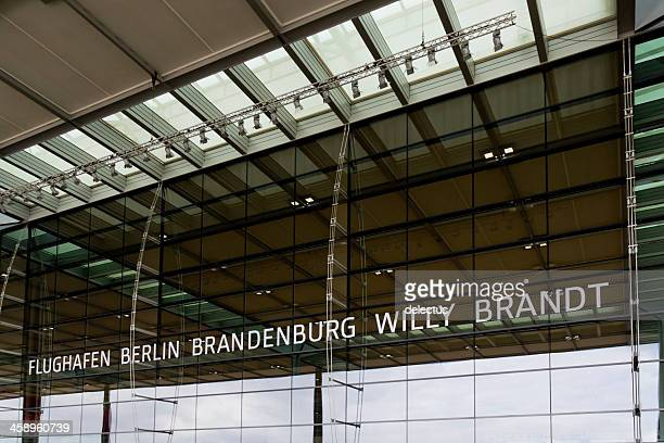 berlin-brandenburg international airport - flughafen berlin brandenburg stock-fotos und bilder