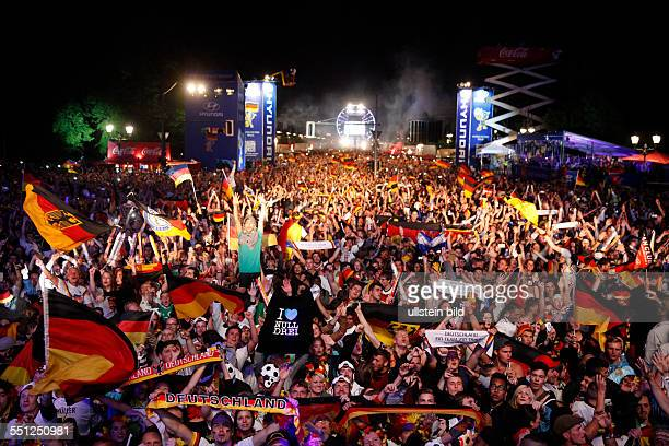 Deutschland Fans Premium Pictures Photos Images Getty