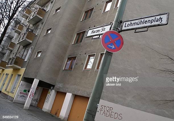 BerlinNeukoelln Harzer Strasse Ecke Lohmühlenplatz Viele Einwohner des rumaenischen Dorfes Fantanele sind nach BerlinNeukoelln in die Harzer Strasse...