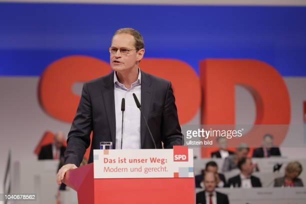 Berlins Regierender Bürgermeister Michael Müller Deutschland Berlin Ordentlicher SPDBundesparteitag
