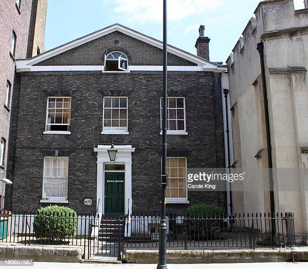 CONTENT] Bermondsey Street was the old High Street connecting the riverside with the parish churchIt still has a village character but most of the...